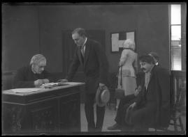 Samhällets dom : Drama i 2 akter - image 13