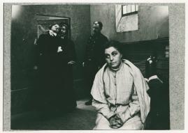Mor och dotter : Drama i 2 akter - image 3