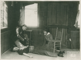 Halvblod : Drama i 4 akter - image 41