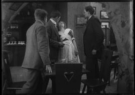 Det röda tornet : Drama i 3 akter - image 31