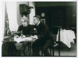 En av de många : Skådespel i 3 akter - image 16