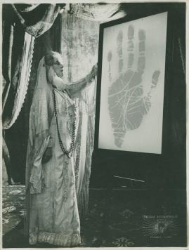 Madame de Thèbes - image 3