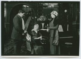 Landshövdingens döttrar : Filmdramatisering i 3 akter - image 20