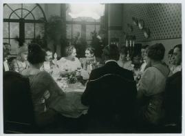 Landshövdingens döttrar : Filmdramatisering i 3 akter - image 46