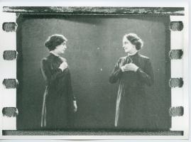 Landshövdingens döttrar : Filmdramatisering i 3 akter - image 54