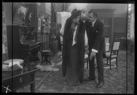 Landshövdingens döttrar : Filmdramatisering i 3 akter - image 65