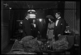 Landshövdingens döttrar : Filmdramatisering i 3 akter - image 16