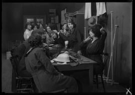 Landshövdingens döttrar : Filmdramatisering i 3 akter - image 66