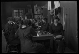 Landshövdingens döttrar : Filmdramatisering i 3 akter - image 44