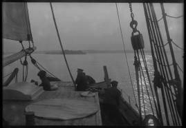 Skepp som mötas : Skådespel i 3 akter - image 15
