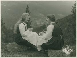 Synnøve Solbakken - image 31