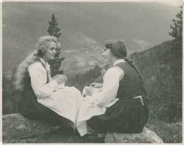 Synnøve Solbakken - image 36