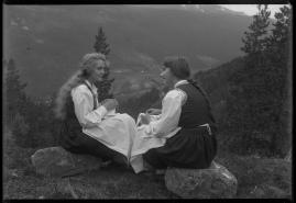 Synnøve Solbakken - image 40