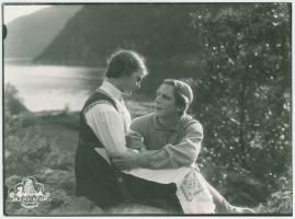 Ett farligt frieri : Folkkomedi i fyra akter - image 72