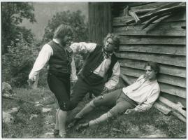 Ett farligt frieri : Folkkomedi i fyra akter - image 74