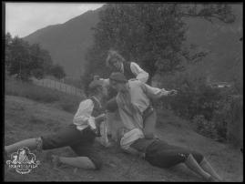 Ett farligt frieri : Folkkomedi i fyra akter - image 41