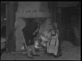Ett farligt frieri : Folkkomedi i fyra akter - image 8