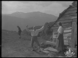 Ett farligt frieri : Folkkomedi i fyra akter - image 42