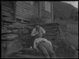 Ett farligt frieri : Folkkomedi i fyra akter - image 77