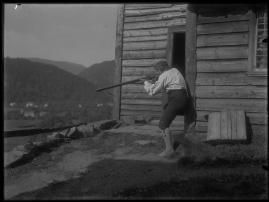 Ett farligt frieri : Folkkomedi i fyra akter - image 15