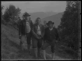 Ett farligt frieri : Folkkomedi i fyra akter - image 62