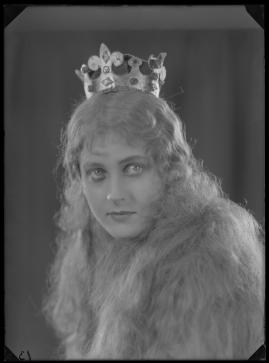 Hennes lilla majestät - image 107