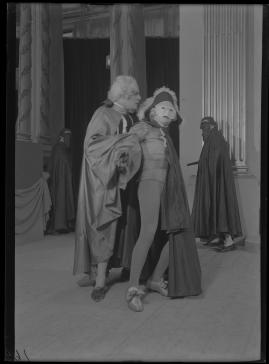 Två konungar : Romantiserad skildring från Gustaf III:s och Bellmans dagar - image 48