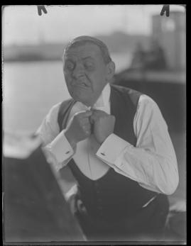 Skepparkärlek : En hamnhistoria om gungande gastar - sjungande skeppare - snoppade smugglare - carnegie och kärlek - image 104