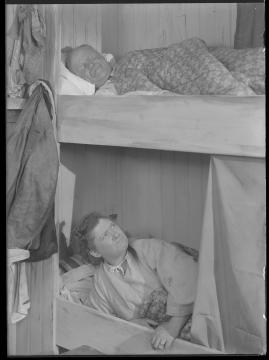 Skepparkärlek : En hamnhistoria om gungande gastar - sjungande skeppare - snoppade smugglare - carnegie och kärlek - image 138