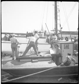 Skepparkärlek : En hamnhistoria om gungande gastar - sjungande skeppare - snoppade smugglare - carnegie och kärlek - image 96