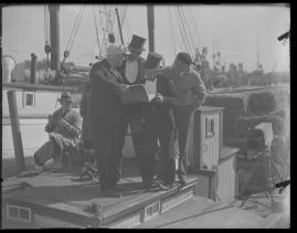 Skepparkärlek : En hamnhistoria om gungande gastar - sjungande skeppare - snoppade smugglare - carnegie och kärlek - image 112