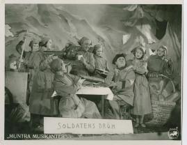 Muntra musikanter : Lustspel för filmen - image 15