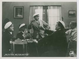 Muntra musikanter : Lustspel för filmen - image 36