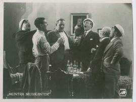 Muntra musikanter : Lustspel för filmen - image 29