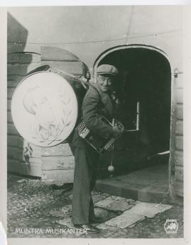 Muntra musikanter : Lustspel för filmen - image 46