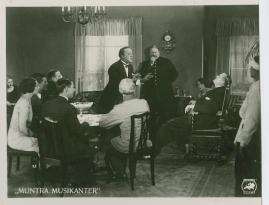 Muntra musikanter : Lustspel för filmen - image 12