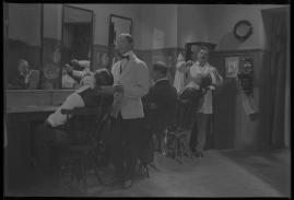 Lyckans gullgossar : Ett filmkåseri med sång - image 61