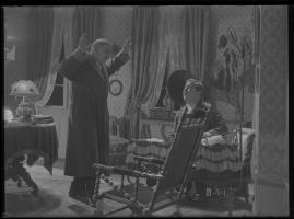 Lyckans gullgossar : Ett filmkåseri med sång - image 91