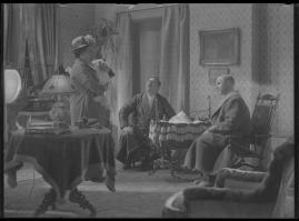Lyckans gullgossar : Ett filmkåseri med sång - image 66