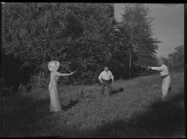Lyckans gullgossar : Ett filmkåseri med sång - image 94