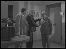 Lyckans gullgossar : Ett filmkåseri med sång - image 70