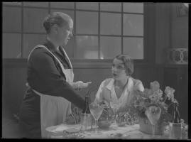 Lyckans gullgossar : Ett filmkåseri med sång - image 39