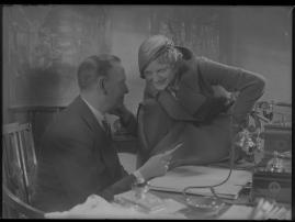 Lyckans gullgossar : Ett filmkåseri med sång - image 40
