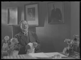 Lyckans gullgossar : Ett filmkåseri med sång - image 42
