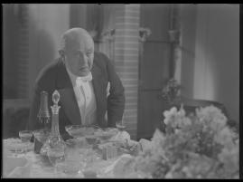 Lyckans gullgossar : Ett filmkåseri med sång - image 124