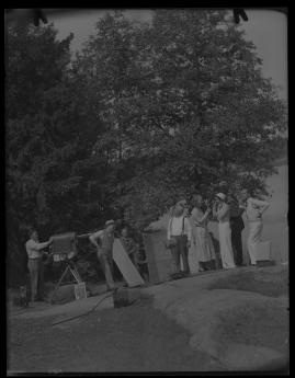 Lyckans gullgossar : Ett filmkåseri med sång - image 135