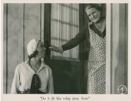Bomans pojke : Ett filmlustspel med sång - image 25