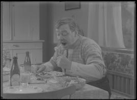 Bomans pojke : Ett filmlustspel med sång - image 137