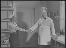 Bomans pojke : Ett filmlustspel med sång - image 57
