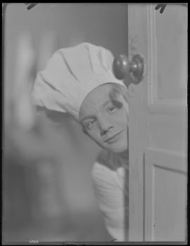 Bomans pojke : Ett filmlustspel med sång - image 141